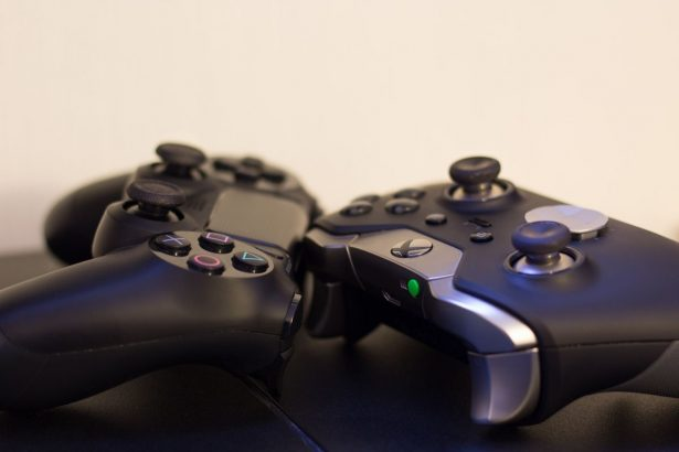 ps4 controller and xbox controller